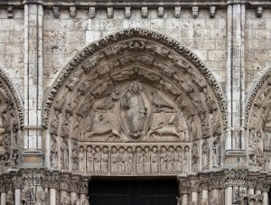 Chartres_-_portail_royal,_tympan_central