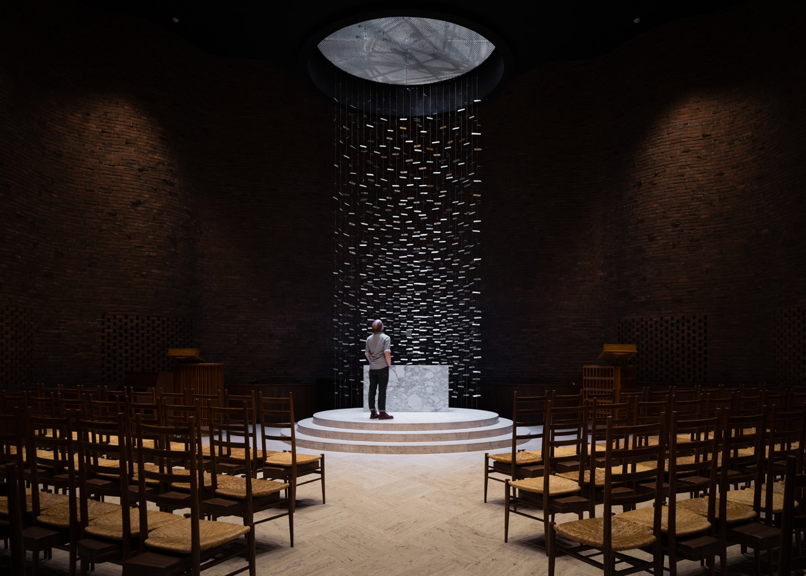 mit-chapel-eero-saarinen-photography-jim-stephenson_dezeen_1568_5