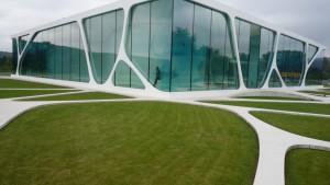 005_3deluxe_leonardo-glass-cube_theredlist
